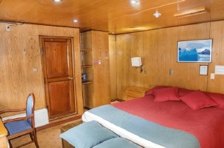 Skorpios II cabin Junior Suites
